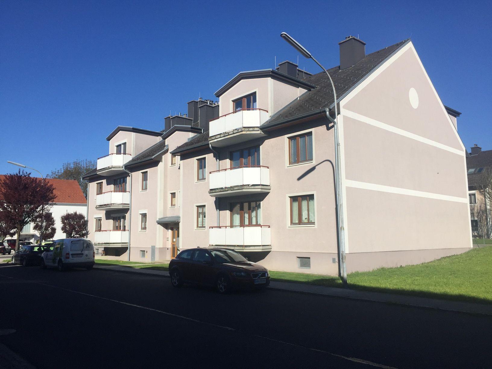 WHA Theresienthalstraße